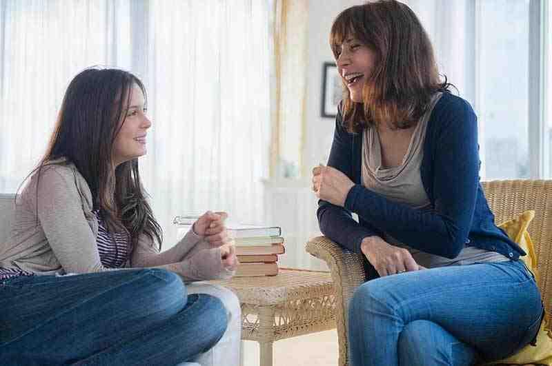Roześmiane matka z córką